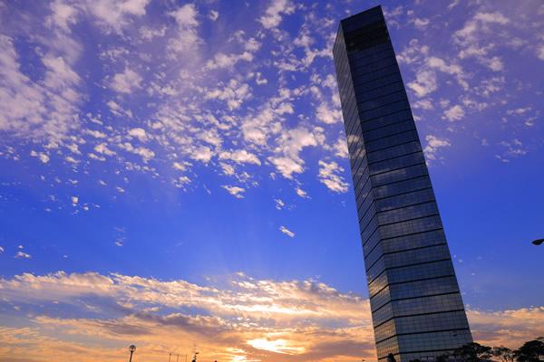 千葉ポートタワー外観