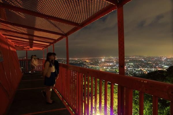 湘南平 旧展望台の雰囲気