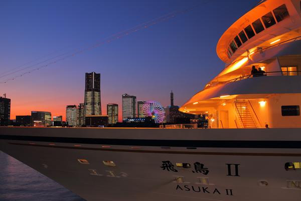 横浜港大さん橋国際客船ターミナルの夜景スポット情報