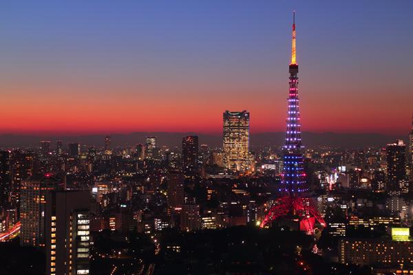 世界貿易センタービル 東京タワー オランダ色特別ライトアップ