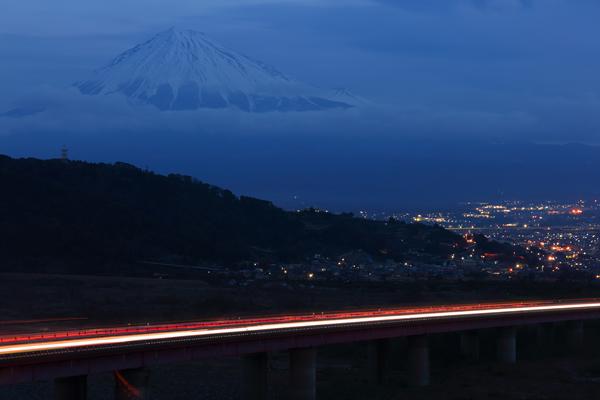 富士川SAの夜景スポット情報