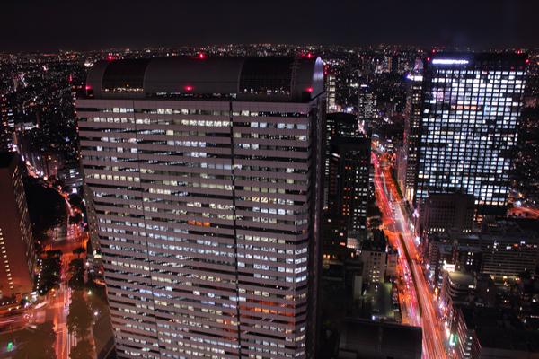 新宿野村ビル 展望ロビーの夜景スポット情報