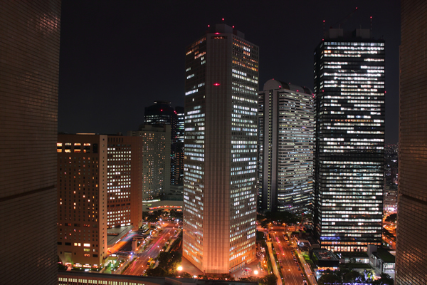 新宿NSビルの夜景スポット情報