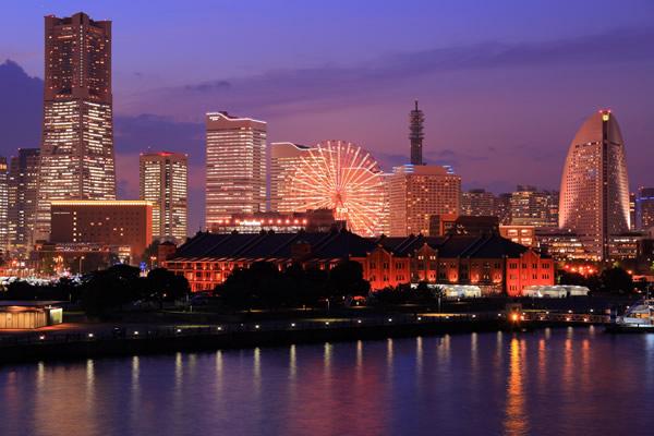横浜の夜景がさらに華麗に彩りを魅せる★