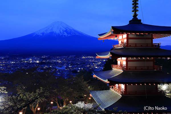 新倉浅間神社の夜景スポット情報