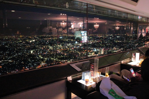 横浜ランドマークタワー展望フロアのスカイカフェ