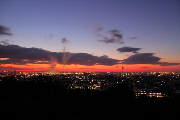 垂坂公園・羽津山緑地の夜景スポット情報