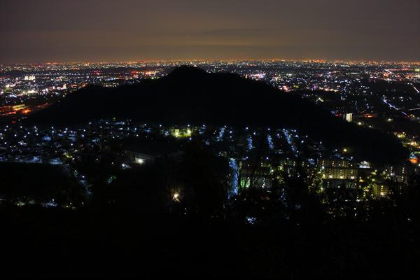 三峰山(みつみねやま)の夜景スポット情報