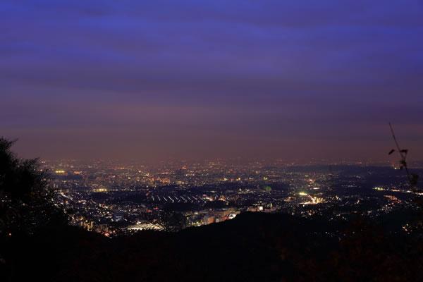 高尾山かすみ台展望台の夜景スポット情報