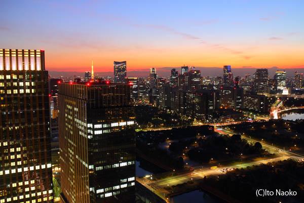 丸ビル展望フロアの夜景スポット情報