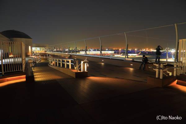 羽田空港国際線ターミナル展望デッキの雰囲気