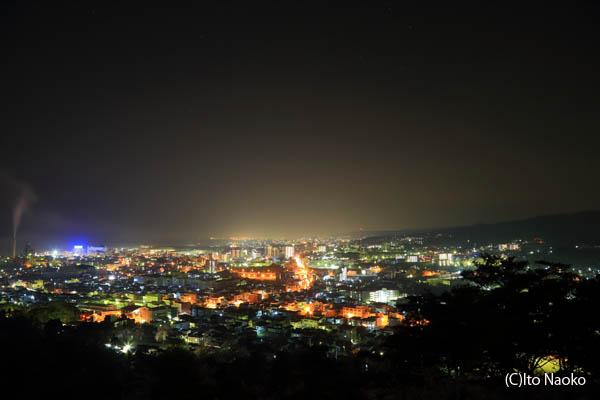 かみね公園頂上の夜景スポット情報