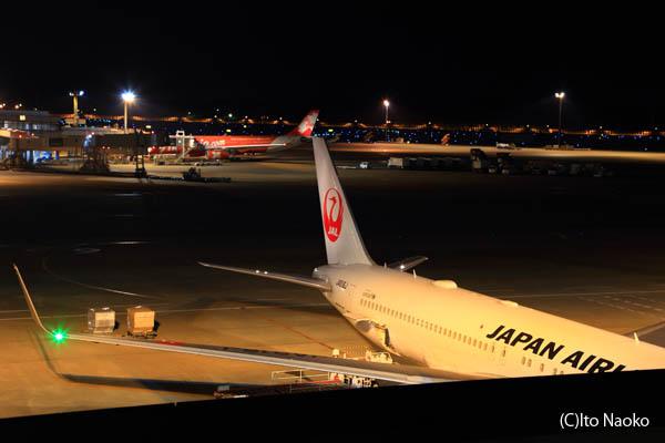 成田国際空港 第2ターミナル4F見学デッキの夜景スポット情報